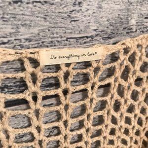 Tops - Crochet vest ivory/ do everything in love